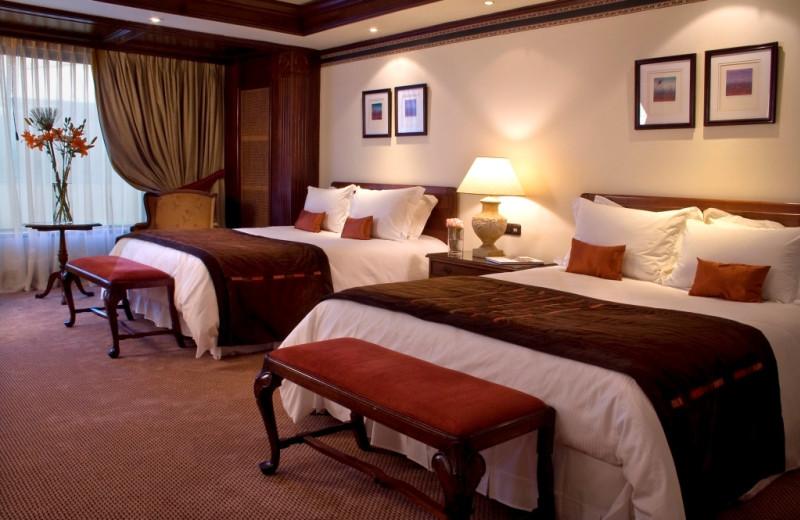 Guest room at Hotel Plaza San Francisco.