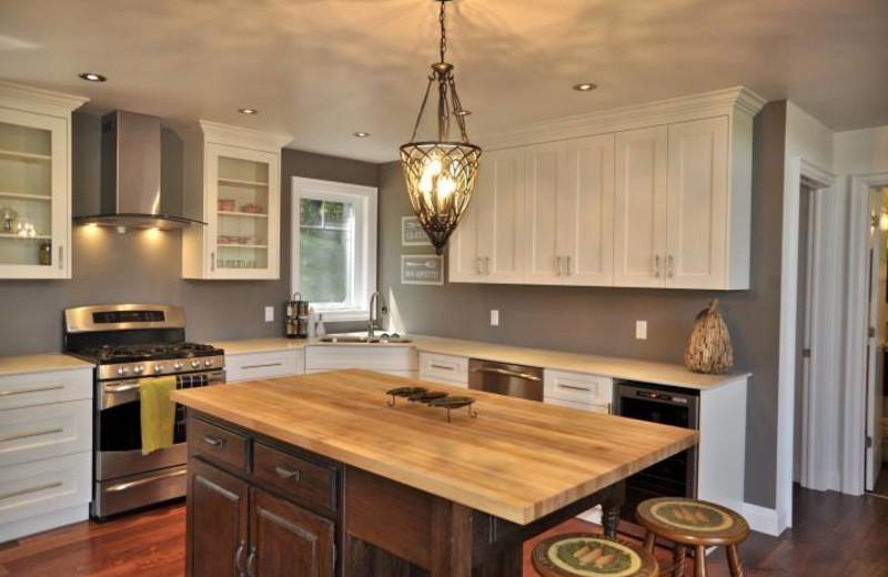 Gourmet Cottage kitchen on Redstone Lake at All-Season Cottage Rentals.
