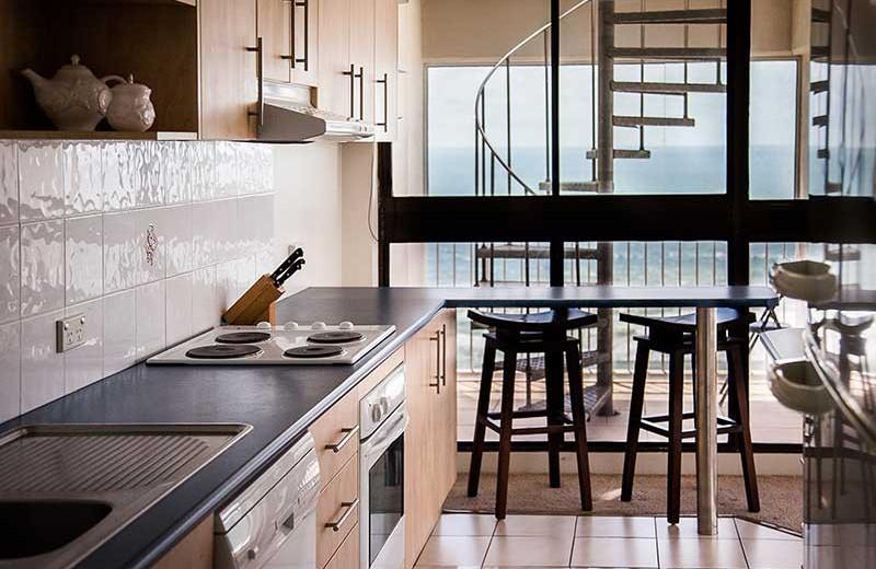 Guest kitchen at Elouera Tower.