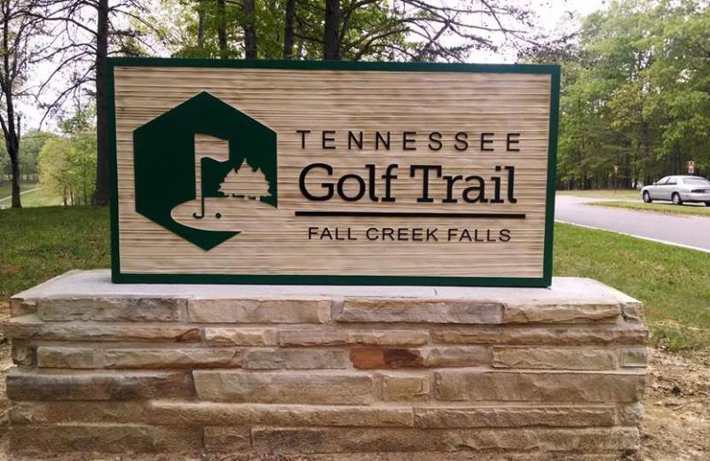 Golf course near Highland Rim Retreats.