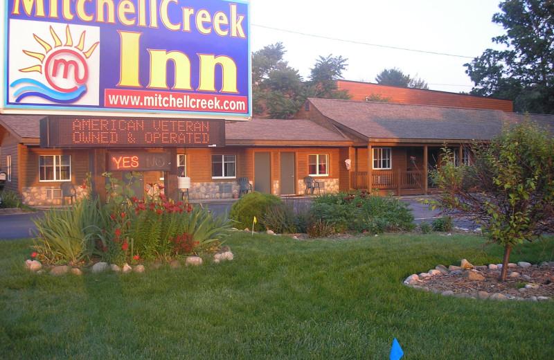 Exterior view of Mitchell Creek Inn.