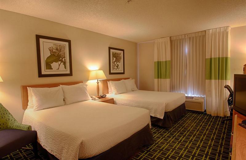 Guest room at Fairfield Inn & Suites Sierra Vista.