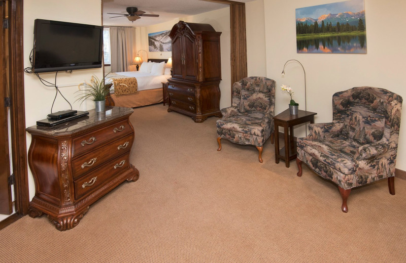 Guest living room at Vail Run Resort.