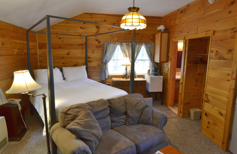 Guest room at The New England Inn & Lodge.