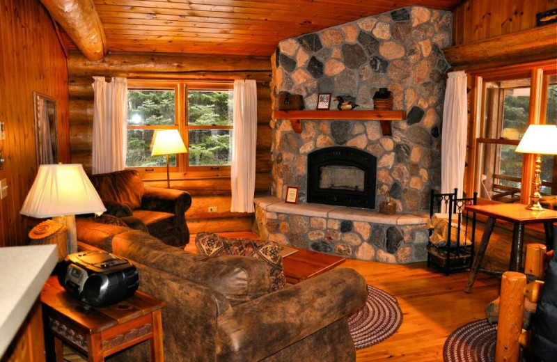 Living room at Bearskin Lodge.