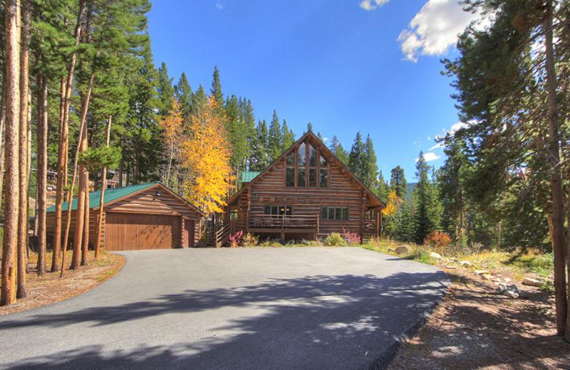 Rental exterior at Majestic Mountain Retreats.