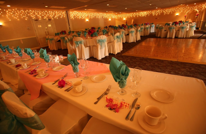 Wedding reception at Best Western Seacliff Inn.