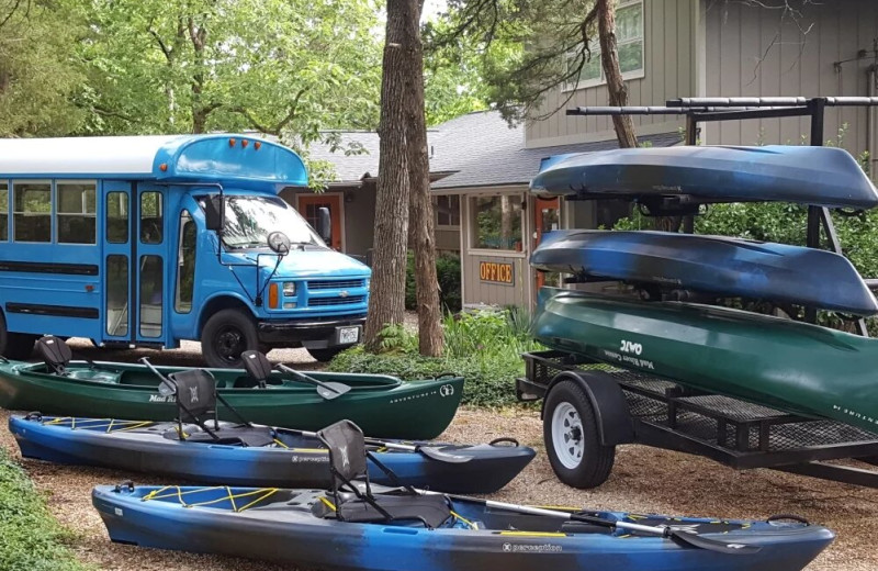 Kayaking at Arkansas White River Cabins.
