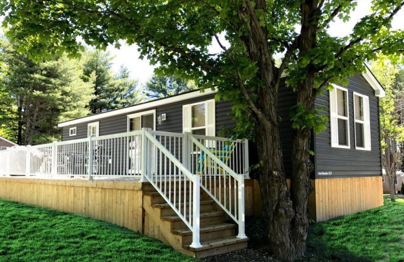 Cabin exterior at Great Blue Resorts- Shamrock Bay Resort.