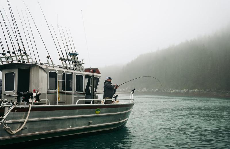 Fishing boat a Elfin Cove Resort.