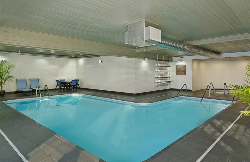Indoor pool at Four Points by Sheraton Minneapolis Airport.