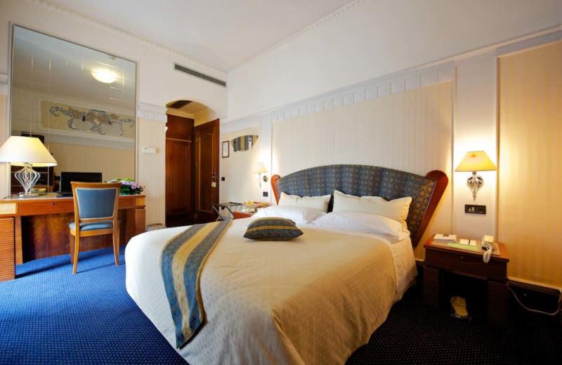 Guest room at Patria Palace.