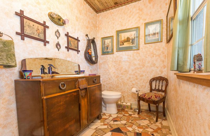 Cabin bathroom at Creekside Camp & Cabins.