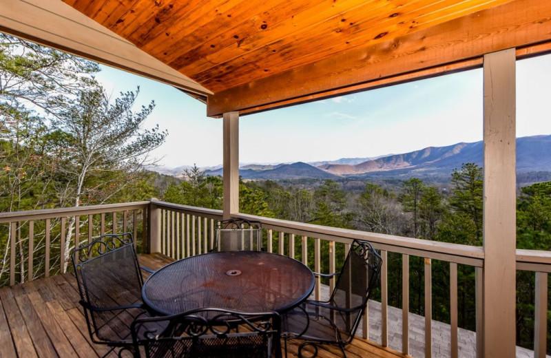Rental deck at Dogwood Cabins LLC.