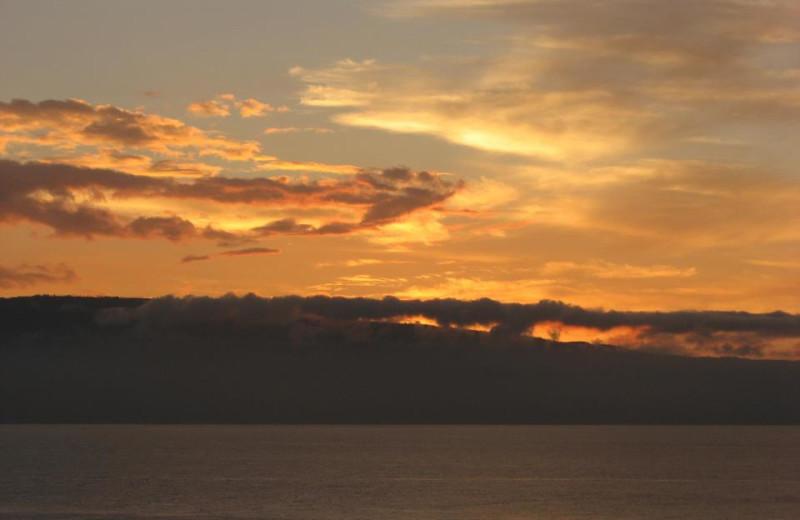 Sunset at Mansard Island Resort & Marina.