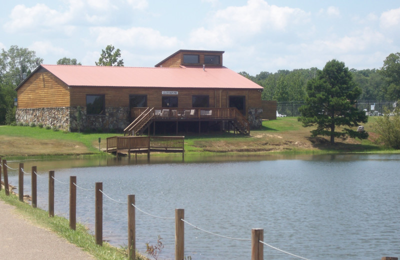 Exterior view of Big Buck Resort.