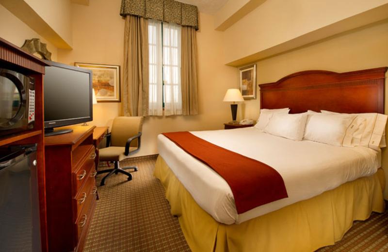 King guestroom at Holiday Inn Express San Antonio.