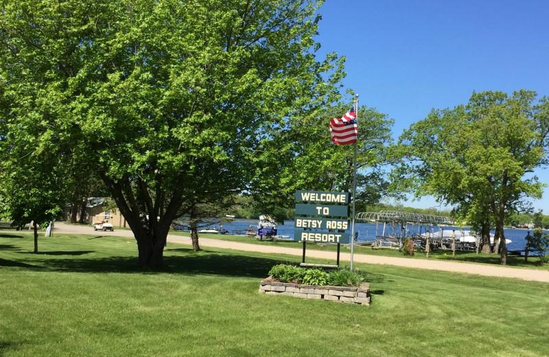 Exterior view of Betsy Ross Resort.