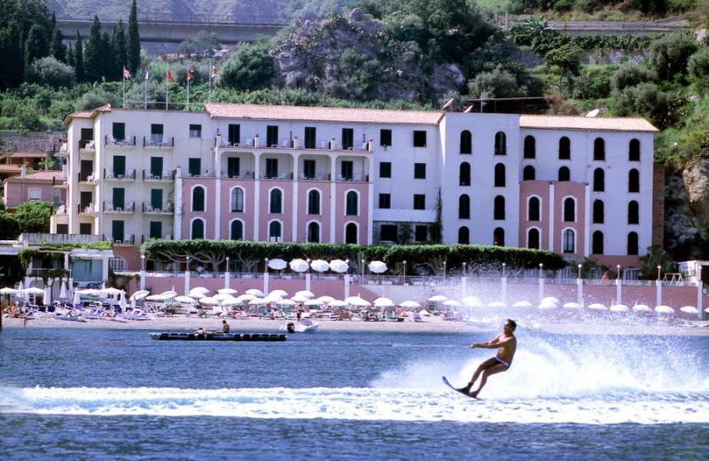 Exterior view of Hotel Lido Méditerranée.
