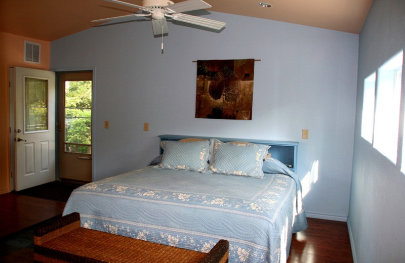 Guest room at Rainbow Hearth Sanctuary & Retreat Center.