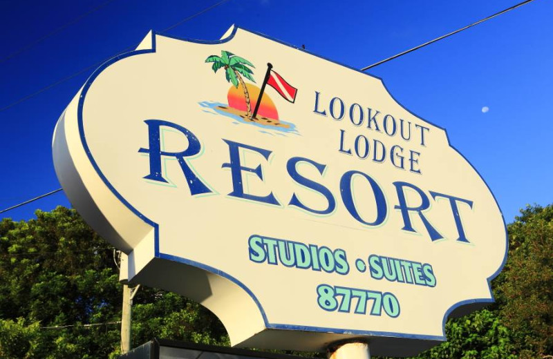 Lookout Lodge Resort sign.