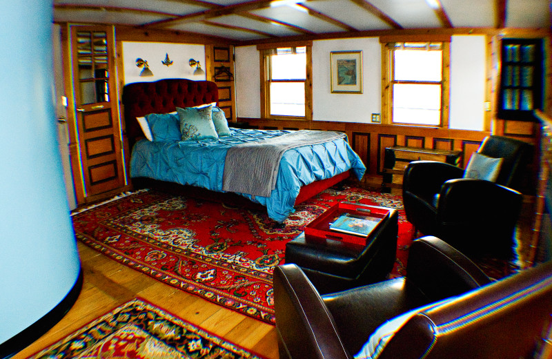 Guest room at Covington Inn.