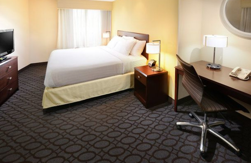Guest room at SpringHill Suites by Marriott Fort Worth University.