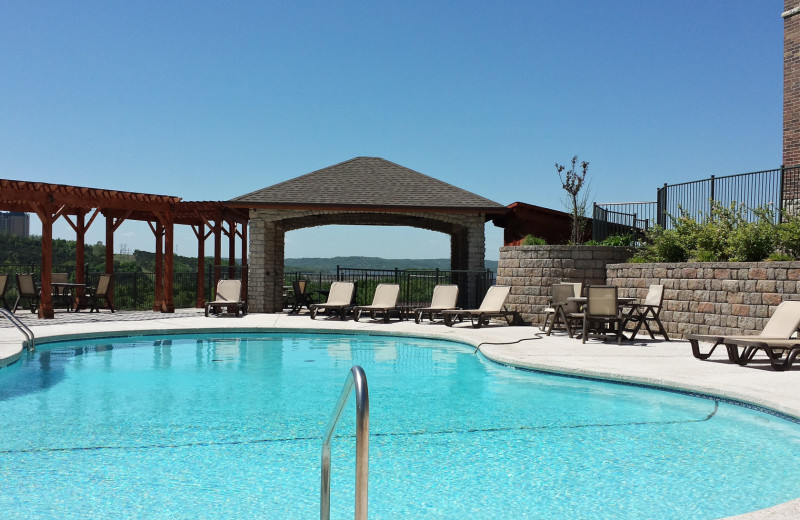 Outdoor pool at Thousand Hills Vacations.