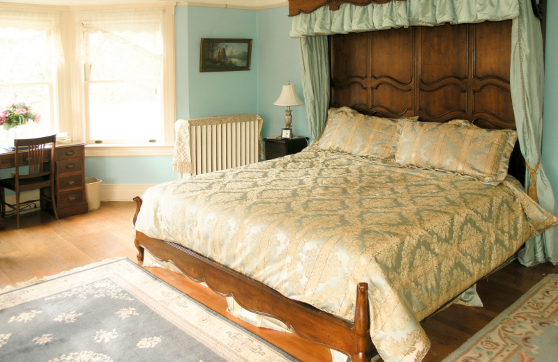 Guest room at Hartness House.