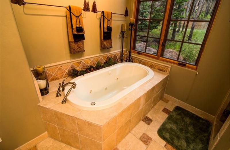 Rental bathroom at Black Diamond Vacation Rentals.