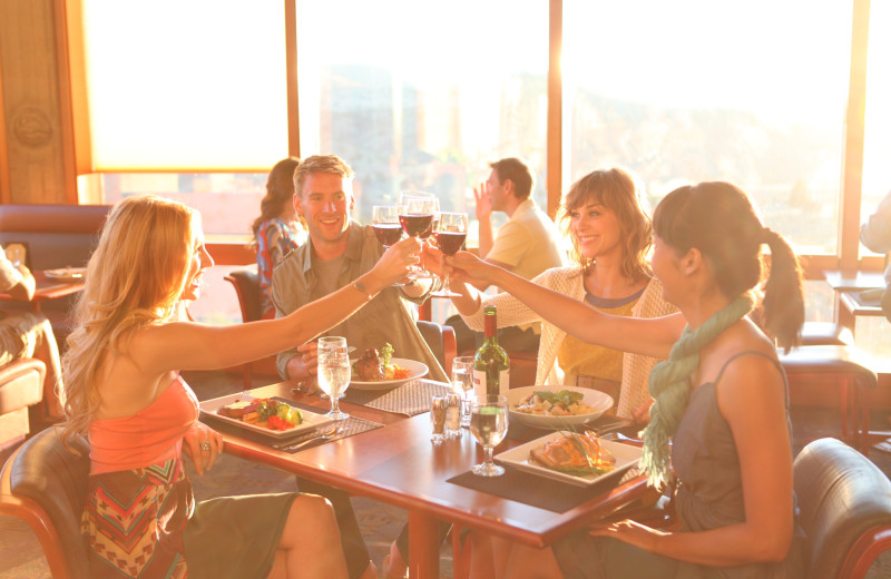Group dining at Kah-Nee-Ta Resort and Spa.