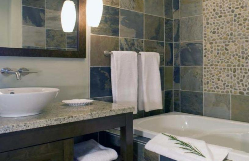 Cottage bathroom at Mayne Island Resort and Spa.