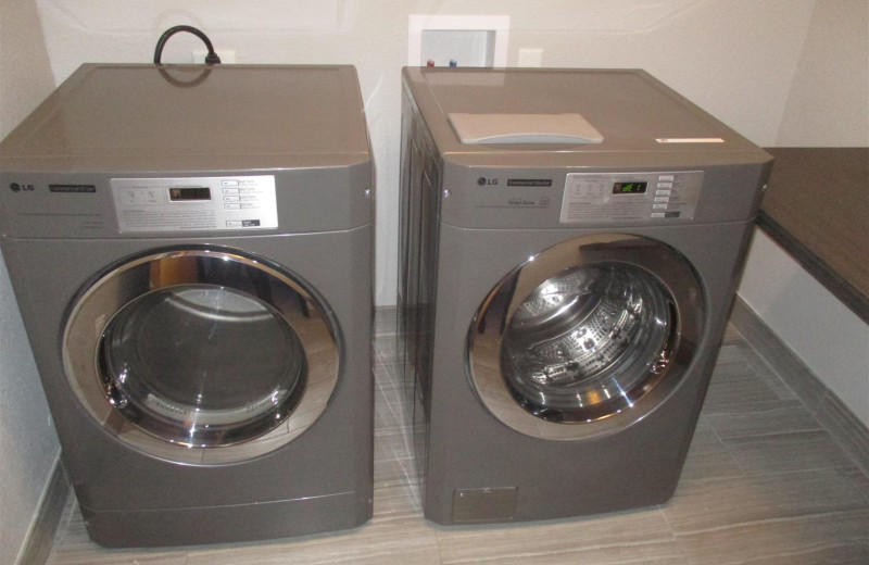 Laundry room at BEST WESTERN Plus Lampasas.