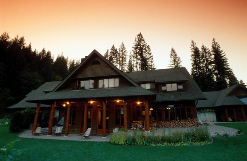 Exterior view of Mountain Trek Fitness Retreat & Health Spa.