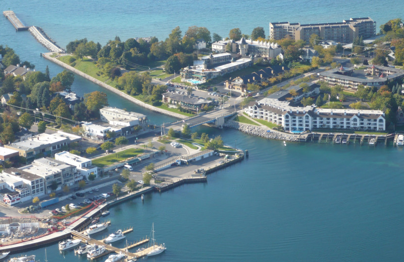 Aerial view of Edgewater Inn on the Harbor.