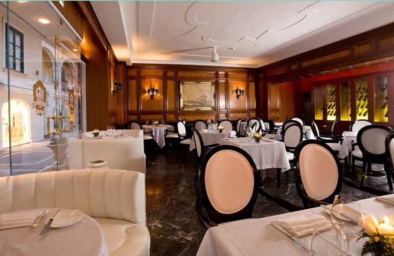 Dining at Grand Hotel Quisisana.