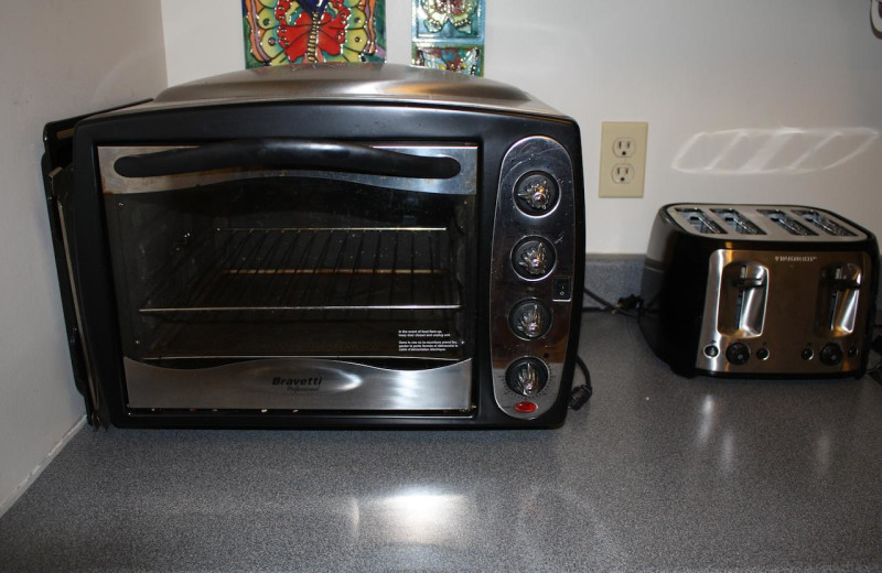 Toaster oven at Bear Cub Lodging.