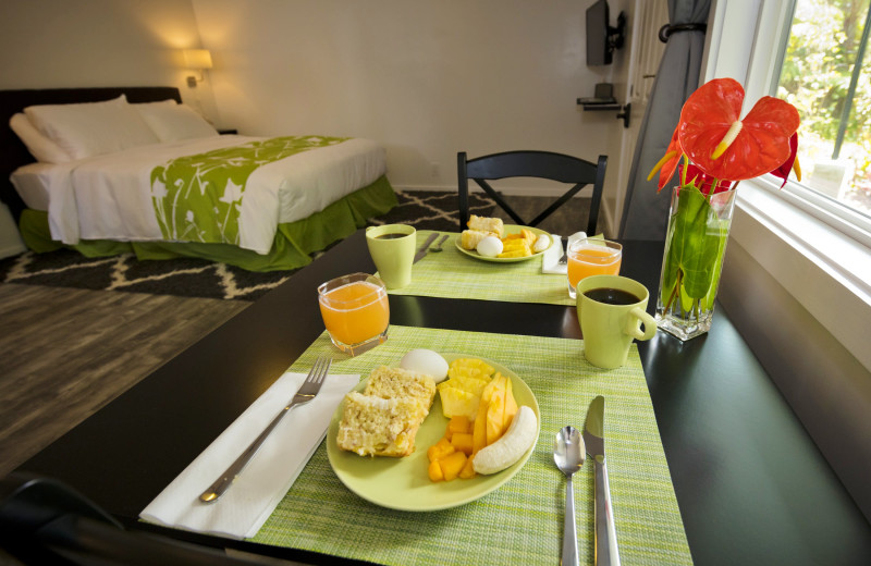 Breakfast at Hale 'Ohu Bed