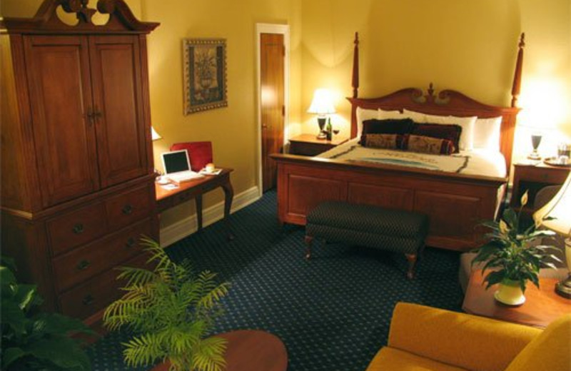 Guest Room at The Mimslyn Inn