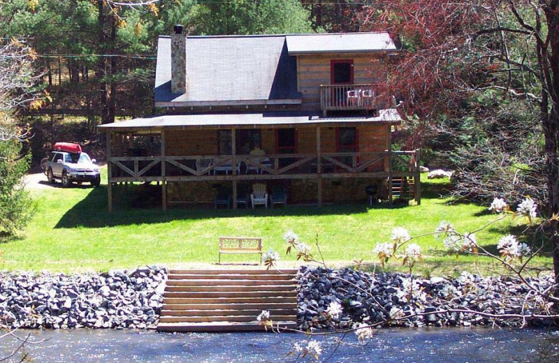 Cabin by the water at Black Bear Cabin Rentals.