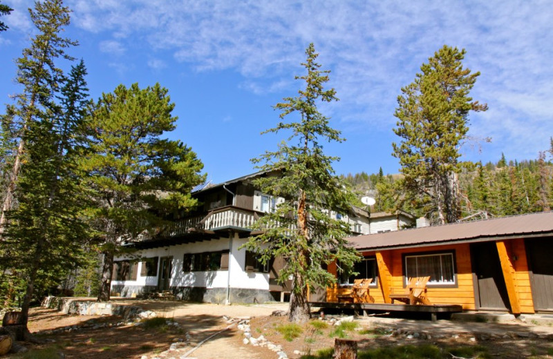 Exterior view of Cathedral Lakes Lodge.
