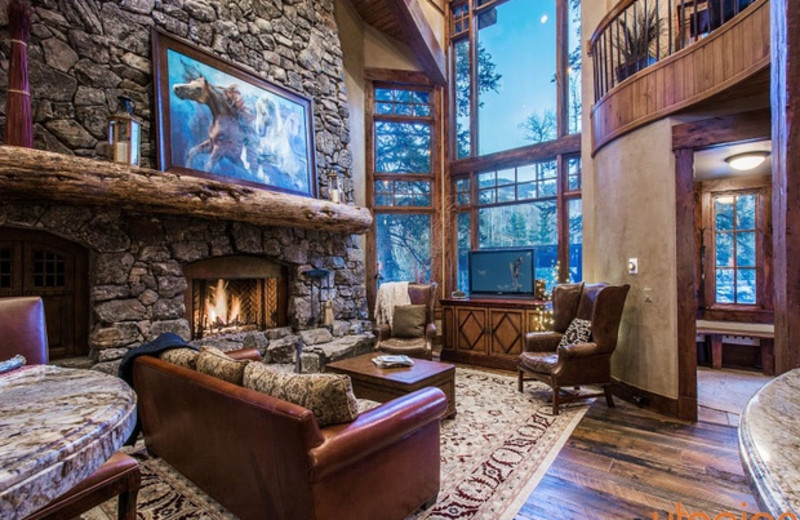 Rental Living Room At Utopian Luxury Vacation Homes.