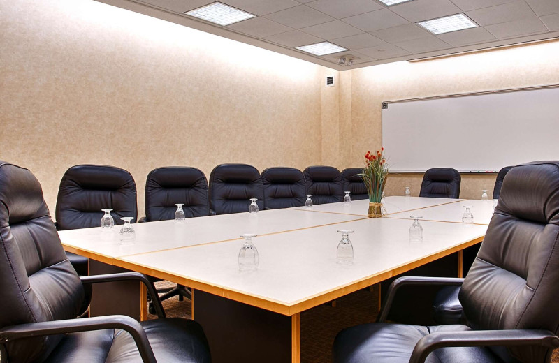 Meeting room at Country Inn & Suites - Fergus Falls.