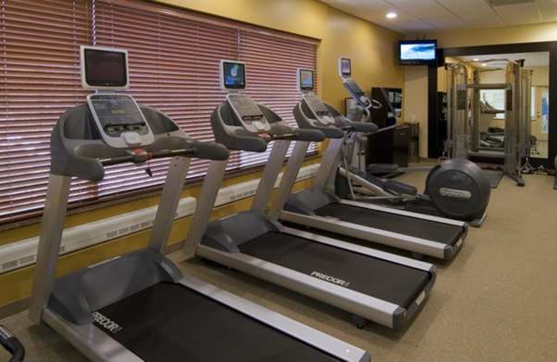 Fitness center at Hilton Garden Inn Cleveland East/Mayfield Village.