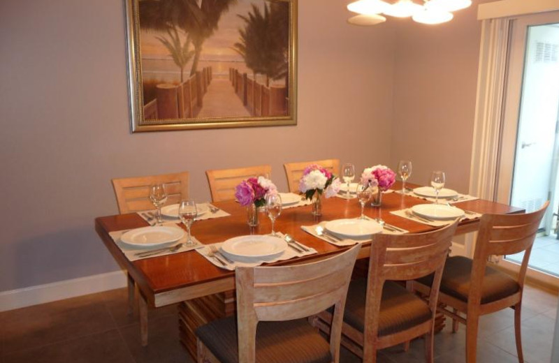 Rental dining room at Coastal Vacation Rentals.