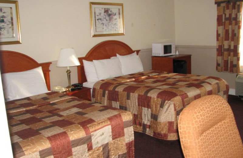 Guest Room at Drawbridge Plaza Inn & Suites