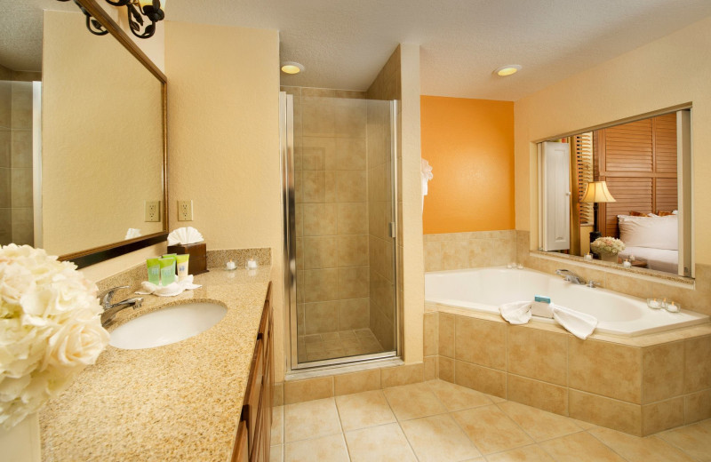 Suite master bathroom at Floridays Resort Orlando.