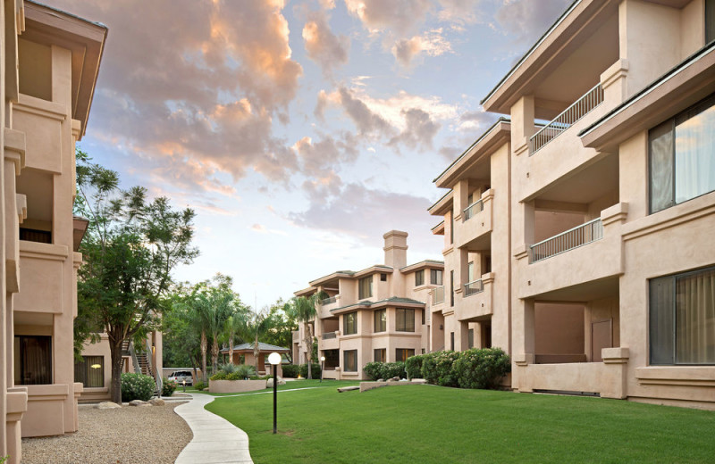 Exterior view of Scottsdale Links Resort.