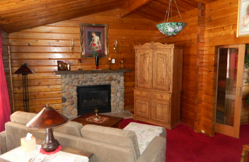 Guest room living room at Eldora Lodge.