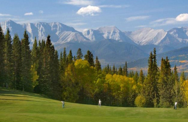 Hinton Golf Course at Overlander Mountain Lodge